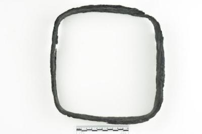 bracket (1992.001.0072)